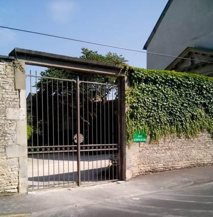 portail du sanctuaire.jpg